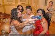 Anna Netrebko Hochzeit - Feier - Palais Liechtenstein - Di 29.12.2015 - Anna NETREBKO Selfie147