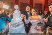 Anna Netrebko Hochzeit - Feier - Palais Liechtenstein - Di 29.12.2015 - Anna NETREBKO, Yusif EYVAZOV schneiden Hochzeitstorte an160