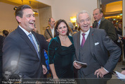 Dreigroschenoper Galavorstellung - Theater an der Wien - Sa 16.01.2016 - Peter HANKE mit Ehefrau, Harald SERAFIN24
