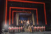 Dreigroschenoper Galavorstellung - Theater an der Wien - Sa 16.01.2016 - Schlussbild, Schlussapplaus, B�hnenfoto94