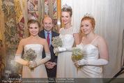 Opernball PK - Wiener Staatsoper - Di 19.01.2016 - Deb�dantinnen Patricia, Darina und Lisamarie, Dominique MEYER64
