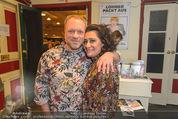 Chris Lohner Bühnenjubiläum - Kulisse - Mi 20.01.2016 - Reinhard NOWAK mit Ehefrau Arzu3