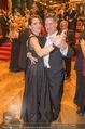 Philharmonikerball 2016 - Wiener Musikverein - Do 21.01.2016 - Tobias MORETTI mit Ehefrau Julia beim Tanzen181