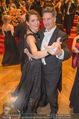 Philharmonikerball 2016 - Wiener Musikverein - Do 21.01.2016 - Tobias MORETTI mit Ehefrau Julia beim Tanzen183