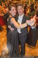 Philharmonikerball 2016 - Wiener Musikverein - Do 21.01.2016 - Tobias MORETTI mit Ehefrau Julia beim Tanzen185