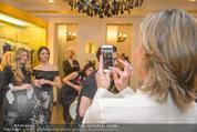 Opernball Couture Salon - Popp & Kretschmer - Mi 27.01.2016 - Desiree TREICHL-ST�RGKH fotografiert mit Handy7
