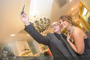 Opernball Couture Salon - Popp & Kretschmer - Mi 27.01.2016 - Olga PERETYATKO, J�rgen Christian JC HOERL machen Selfie82