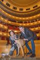 ORF backstage am Ball - Staatsoper - Mi 03.02.2016 - Andrea HEINRICH, Alfons HAIDER mit Sprengstoffsp�rhund26