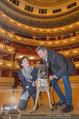 ORF backstage am Ball - Staatsoper - Mi 03.02.2016 - Andrea HEINRICH, Alfons HAIDER mit Sprengstoffsp�rhund30