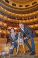 ORF backstage am Ball - Staatsoper - Mi 03.02.2016 - Andrea HEINRICH, Alfons HAIDER mit Sprengstoffsp�rhund31