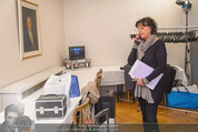 ORF backstage am Ball - Staatsoper - Mi 03.02.2016 - Andrea HEINRICH im provisorischen Schminkraum37
