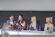 Brooke Shields PK - Lugner City - Mi 03.02.2016 - Brooke SHIELDS, Richard und Cathy LUGNER,Opernb.Prinzessin Jenny16