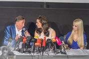 Brooke Shields PK - Lugner City - Mi 03.02.2016 - Brooke SHIELDS, Richard und Cathy LUGNER17