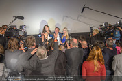 Brooke Shields PK - Lugner City - Mi 03.02.2016 - Brooke SHIELDS, Richard und Cathy LUGNER inmitten Medien Presse24