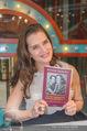 Brooke Shields PK - Lugner City - Mi 03.02.2016 - Brooke SHIELDS mit ihrem Buch45
