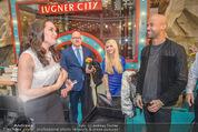 Brooke Shields PK - Lugner City - Mi 03.02.2016 - Brooke SHIELDS, Mr. PROBZ, Cathy LUGNER51