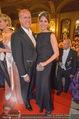 Opernball - Red Carpet - Staatsoper - Do 04.02.2016 - Christoph KERRES u Ehefrau Natalia (CORRALEZ-DIAZ)119