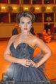 Opernball - Red Carpet - Staatsoper - Do 04.02.2016 - Olga PERETYATKO in Bulgari Schmuck (Portrait)13