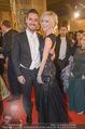 Opernball - Red Carpet - Staatsoper - Do 04.02.2016 - Andreas Andi MORAVEC mit Freundin Tanja154