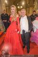 Opernball - Red Carpet - Staatsoper - Do 04.02.2016 - Christian und Ekaterina MUCHA45