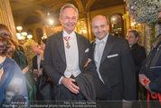 Opernball - Red Carpet - Staatsoper - Do 04.02.2016 - Andreas TREICHL, Dominique MEYER55