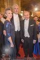 Opernball - Red Carpet - Staatsoper - Do 04.02.2016 - Hans J�rg SCHELLING mit Ehefrau Uschi85