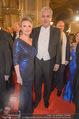 Opernball - Red Carpet - Staatsoper - Do 04.02.2016 - Hans J�rg SCHELLING mit Ehefrau Uschi86