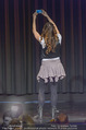 Nina Hartmann Kabarettpremiere - Opheum - Di 23.02.2016 - Nina HARTMANN (Bühnenfoto)15