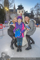 SuperFit Eisstockschießen - Rathausplatz - Mi 24.02.2016 - Missy MAY mit Marie, Sylvia GRAF28
