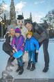 SuperFit Eisstockschießen - Rathausplatz - Mi 24.02.2016 - Alex LIST mit Felix, Missy MAY mit Marie5