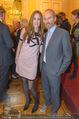 Ausstellungseröffnung - Albertina - Do 17.03.2016 - Erwin WURM mit Ehefrau Elise (MOUGIN)78