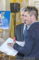 Marcel Hirscher Ehrenzeichen - Bundeskanzleramt - Mi 23.03.2016 - Werner FAYMANN, Marcel HIRSCHER27