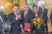 Marcel Hirscher Ehrenzeichen - Bundeskanzleramt - Mi 23.03.2016 - Rose May ALABA, Marcel HIRSCHER, Werner FAYMANN55