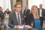 Marcel Hirscher Ehrenzeichen - Bundeskanzleramt - Mi 23.03.2016 - Leodegar PRUSCHAK, Elisabeth HAKEL59