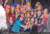 Premiere Messiah Rocks - Raimund Theater - Do 24.03.2016 - Drew SARICH mit Kindern und Osterhasen32