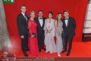 Filmball Vienna - Rathaus - Fr 01.04.2016 - Familie Christian SPATZEK mit Schwester Andrea, Ehefrau, Kindern101