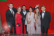 Filmball Vienna - Rathaus - Fr 01.04.2016 - Familie Christian SPATZEK mit Schwester Andrea, Ehefrau, Kindern102