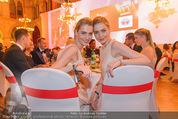 Filmball Vienna - Rathaus - Fr 01.04.2016 - Julia und Nina MEISE287