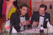 Filmball Vienna - Rathaus - Fr 01.04.2016 - Werner SCHREYER mit Sohn Marlon297