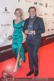 Filmball Vienna - Rathaus - Fr 01.04.2016 - Philipp WECK mit Freundin Yulija DEVYATOVA44