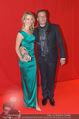 Filmball Vienna - Rathaus - Fr 01.04.2016 - Philipp WECK mit Freundin Yulija DEVYATOVA45