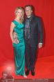 Filmball Vienna - Rathaus - Fr 01.04.2016 - Philipp WECK mit Freundin Yulija DEVYATOVA46