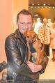 Opening - MaxMara Store - Do 07.04.2016 - Stefan SCHOBESBERGER mit Hund Brodman66