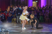 Dancer against Cancer - Hofburg - Sa 09.04.2016 - Yvonne RUEFF, Christoph F�LBL301