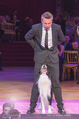 Dancer against Cancer - Hofburg - Sa 09.04.2016 - Hund Falco mit Lukas335