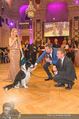 Dancer against Cancer - Hofburg - Sa 09.04.2016 - Lukas mit Hund Falco363