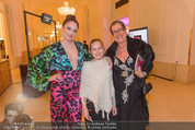Dancer against Cancer - Hofburg - Sa 09.04.2016 - Michaela SCHIMANKO mit Tochter Zoe, Carmen KREUZER42