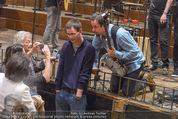 All for Autism Charity Concert - Wiener Musikverein - Di 26.04.2016 - Jan Josef LIEFERS macht Fotos mit Fans115