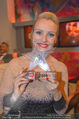 Dancing Stars Finale - ORF Zentrum - Fr 06.05.2016 - Verena SCHEITZ mit Preis, Pokal, Troph�e81