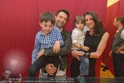 Charity Modenschau - Kulturhaus Hirtenberg - Sa 14.05.2016 - Jakob SEEB�CK mit Michaela, Kinder Valentin u. Sebastian4